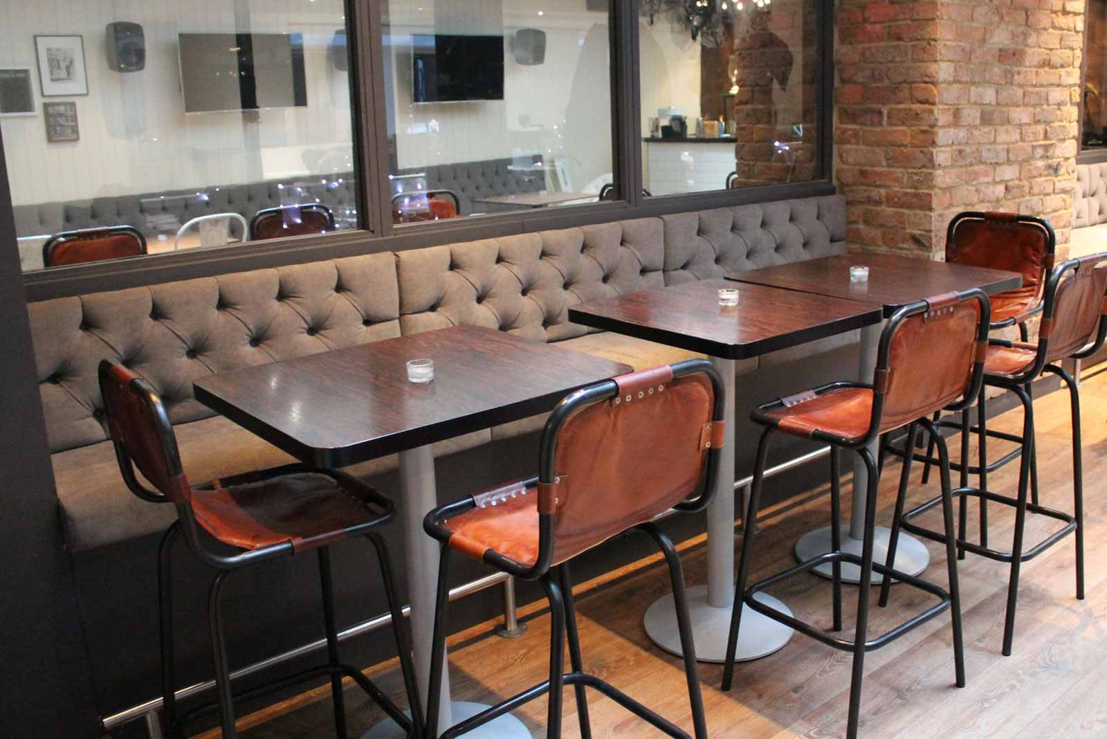 banquette seating for envy bar london fitz impressions. Black Bedroom Furniture Sets. Home Design Ideas
