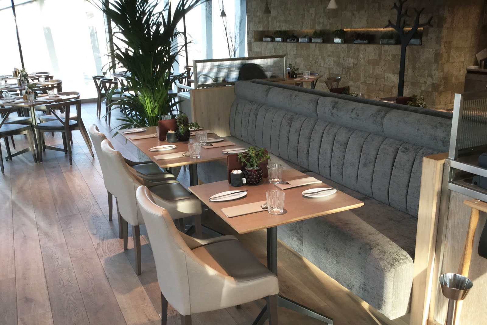 Banquette seating for sky garden london fitz impressions for What is banquette seating